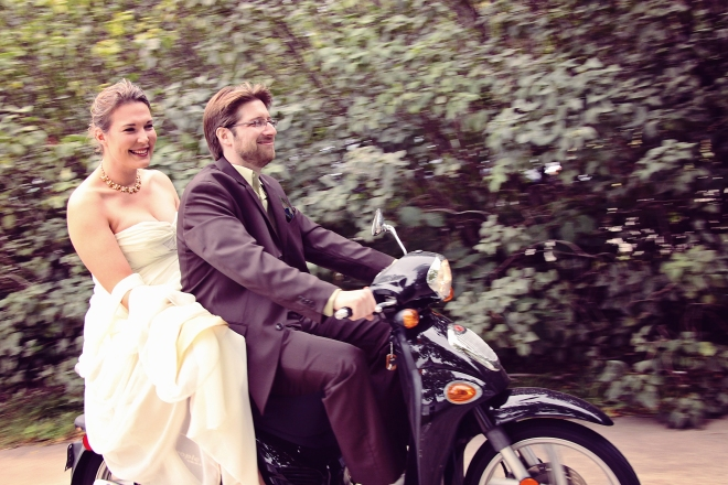 weddingcoupleonget-away-scooter-DMP