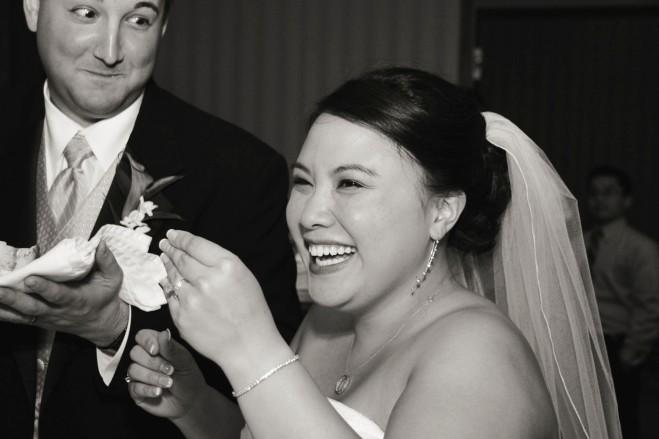 renownedmnweddingphotography-weddingcakefun