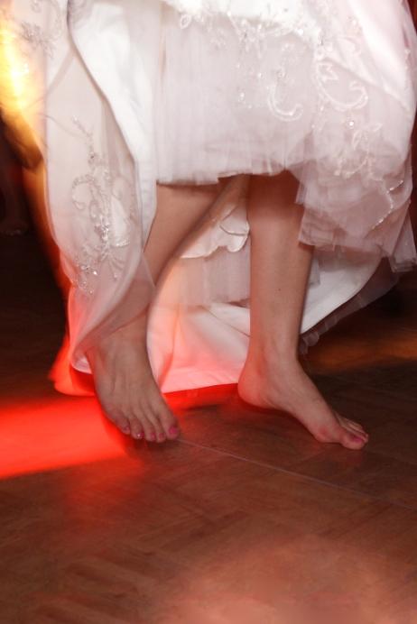 authenticcandidweddingcoverage-barefootbrides