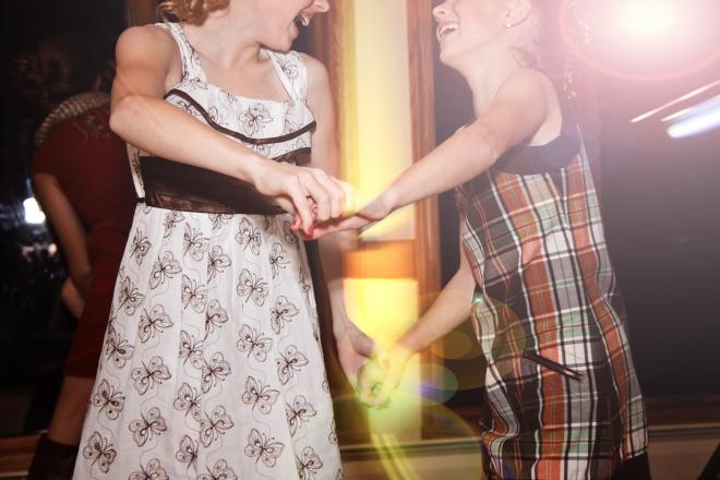 genuinecandidmnweddingphotography-dancingthenightaway
