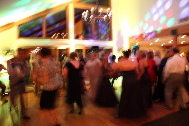 originalcandidmnphotojournalism-weddingdancefloor
