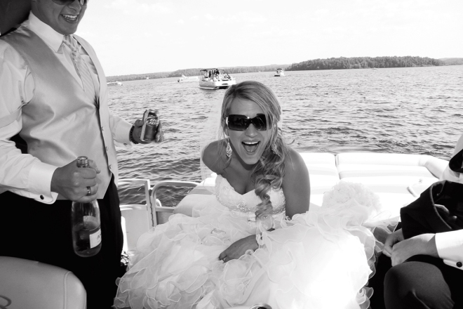 originalmnweddingphotos-brideonaboat